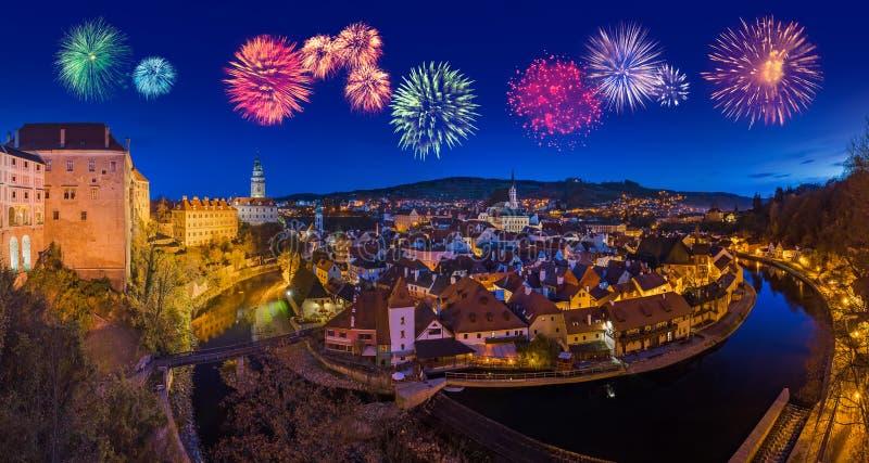 Cesky Krumlov και πυροτεχνήματα στη Δημοκρατία της Τσεχίας στοκ φωτογραφία