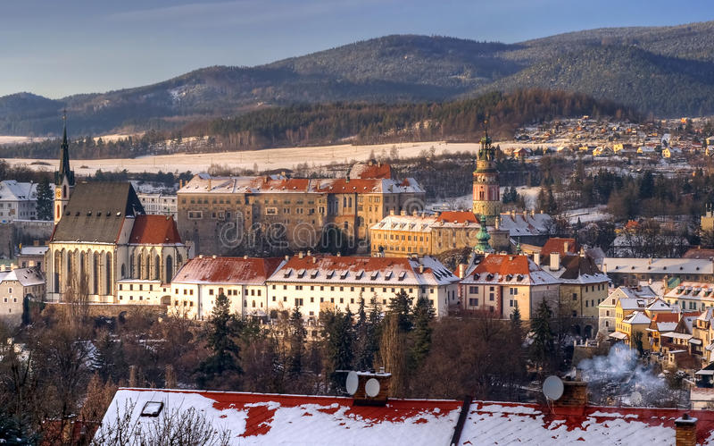 Cesky krumlov στο χειμώνα, ημέρα πριν από τα Χριστούγεννα στοκ εικόνα