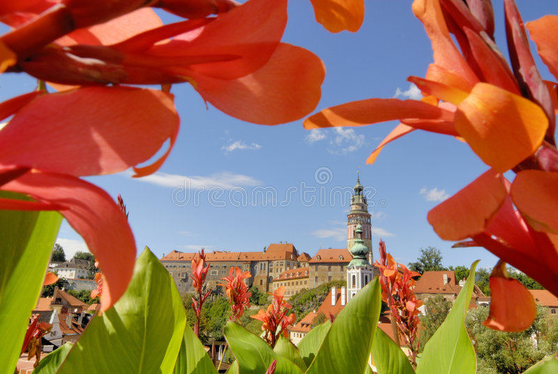 Download Cesky Krumlov immagine stock. Immagine di vacanza, nubi - 3135765