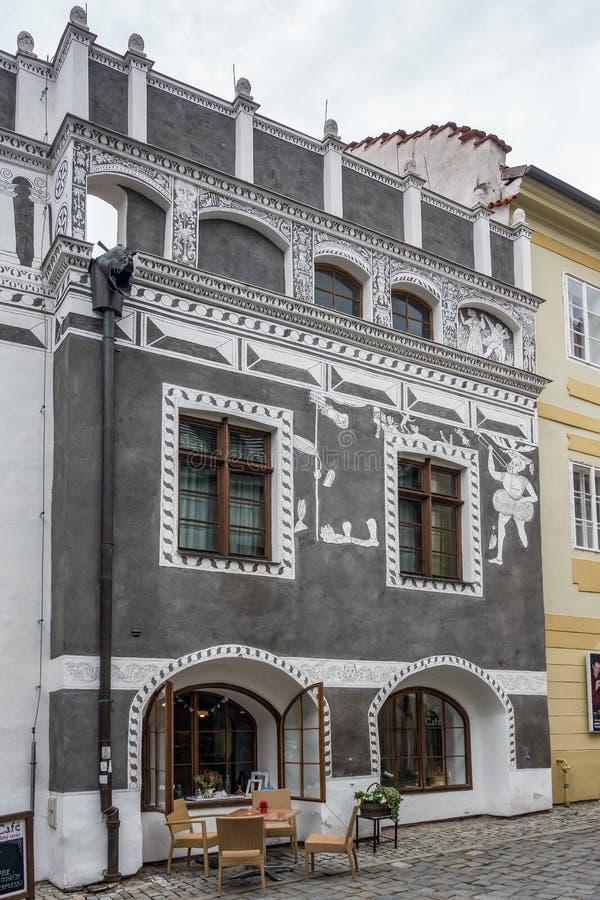 CESKY KRUMLOV, BOHEMIA-/CZECHREPUBLIK - SEPTEMBER 17: Traditiona royaltyfri bild