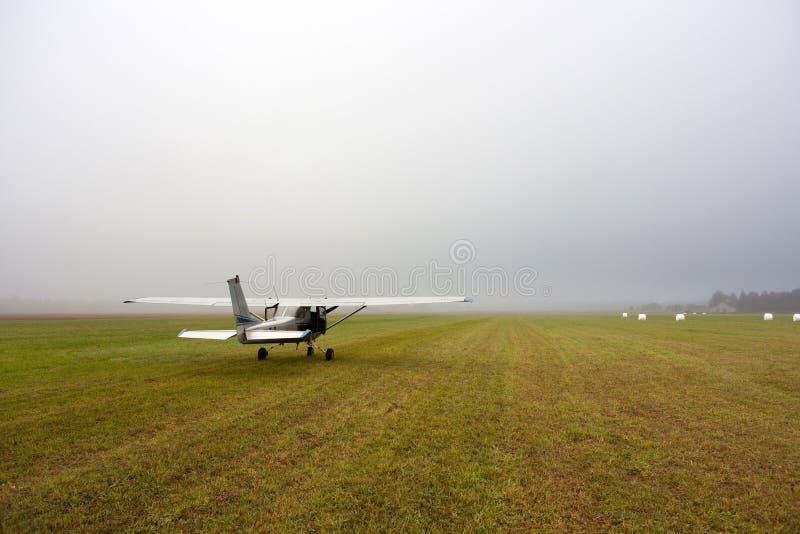 Cessna 150 flygplan royaltyfri bild