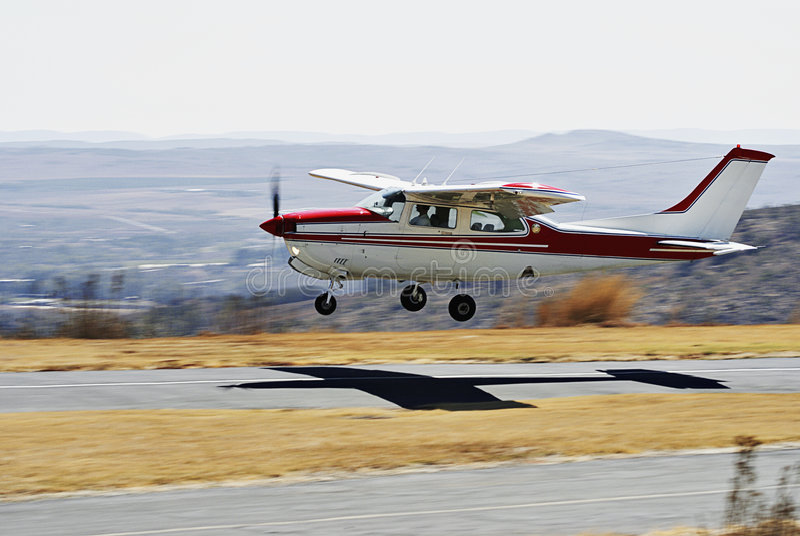 Cessna 210 - Le contact 'n disparaissent photos stock