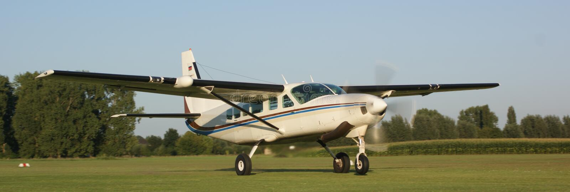 Download Cessna caravan stock photo. Image of plane, take, extreme - 12327658