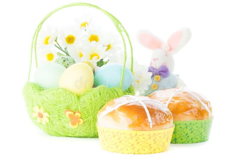 Cesta com ovos de Easter foto de stock royalty free