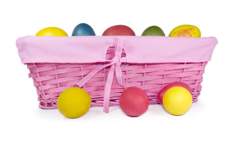 Cesta con los huevos de Pascua fotografía de archivo libre de regalías