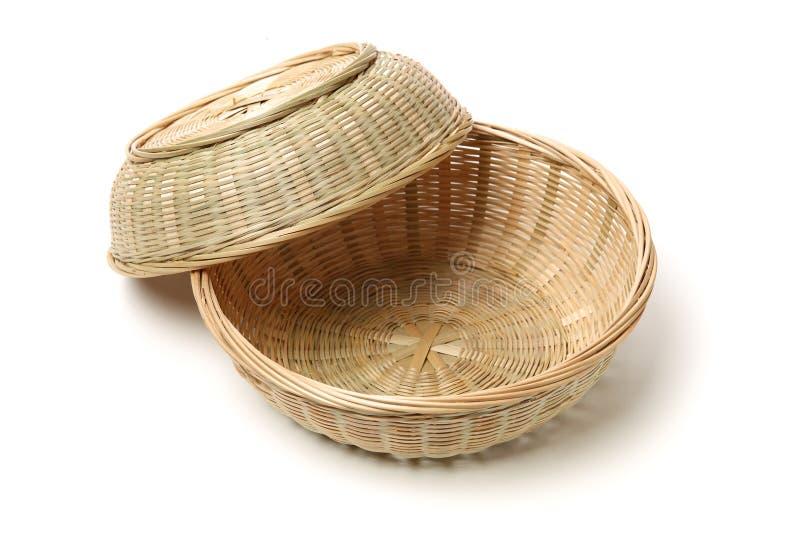 Cesta de bamb? hecha a mano imagen de archivo libre de regalías