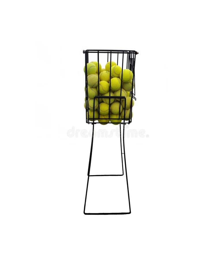 Cesta de bolas de los tenis foto de archivo