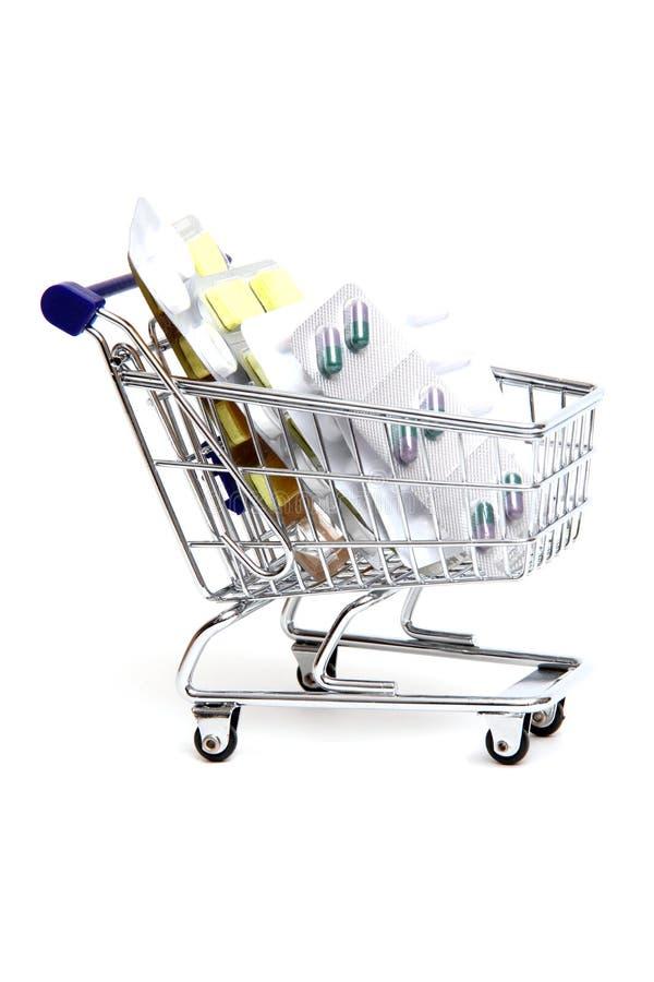Cesta de compra com medicinas foto de stock royalty free