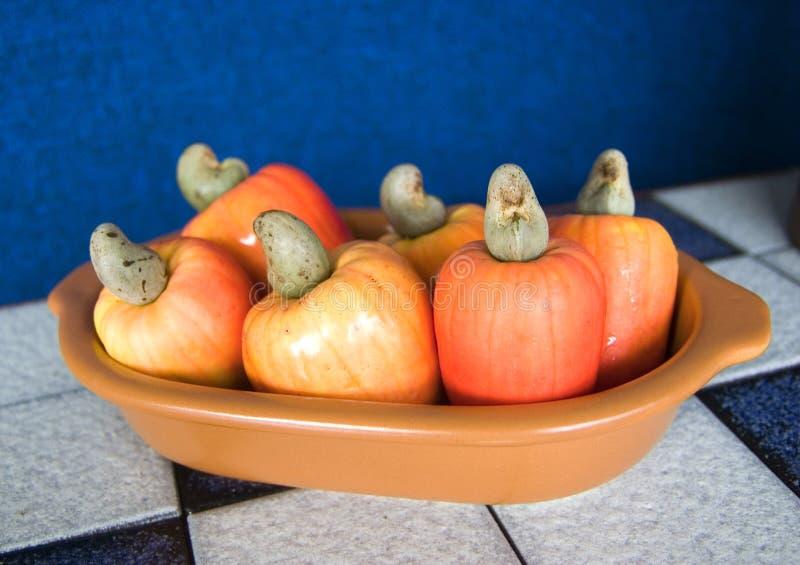 Cesta de fruta del anacardo imagen de archivo libre de regalías