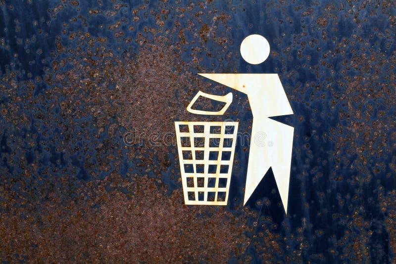 Cesta de lixo oxidada imagem de stock royalty free