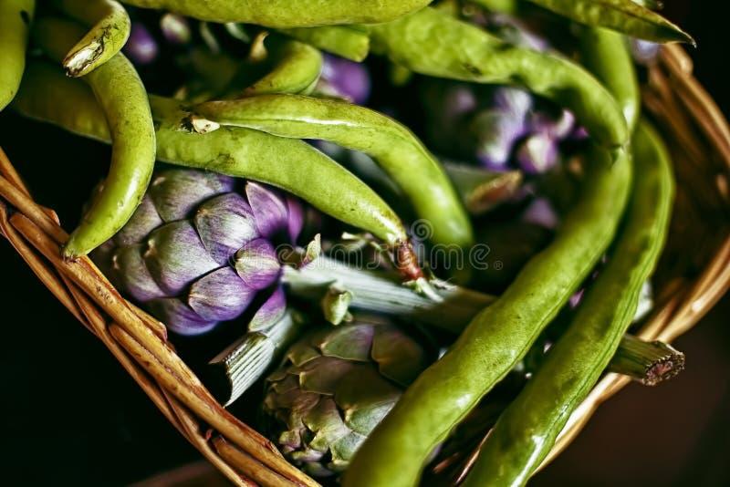 Cesta de verduras imagen de archivo libre de regalías