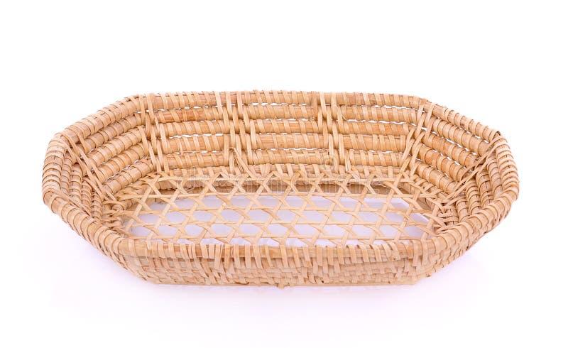 Cesta de vime do weave do vintage isolada no fundo branco fotos de stock