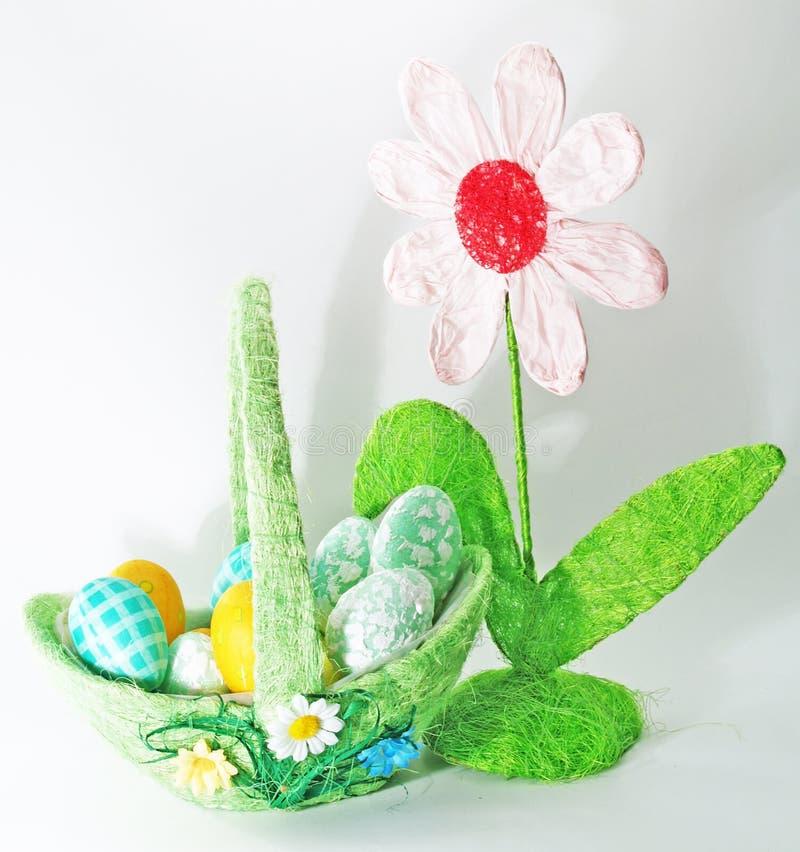 Cesta do ovo de Easter imagem de stock royalty free