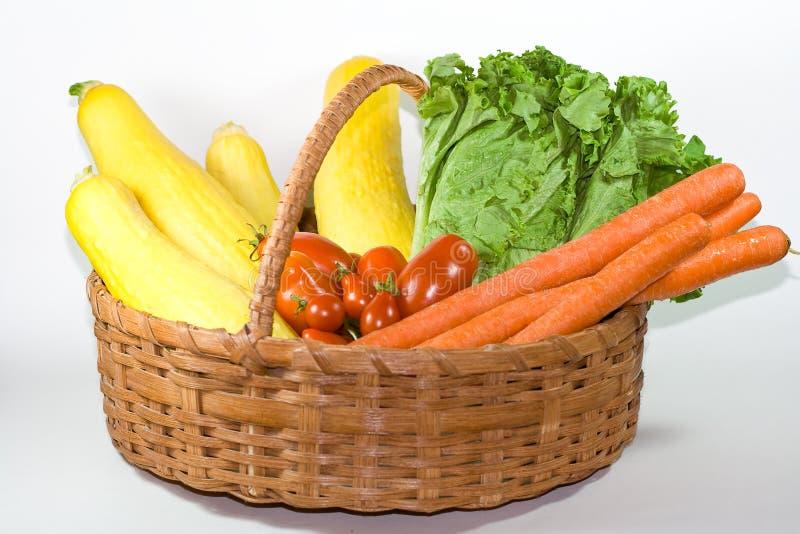 Cesta dos vegetais. imagens de stock