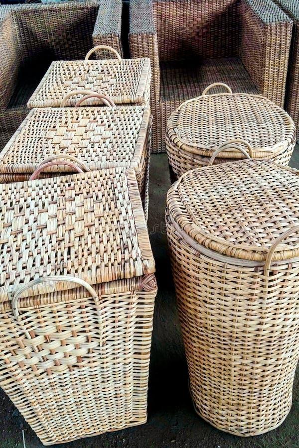 Cesta multiusos del bambú del hogar fotos de archivo libres de regalías