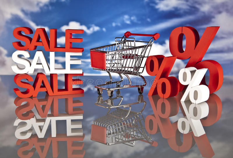 Cesta y ventas de compras fotografía de archivo libre de regalías