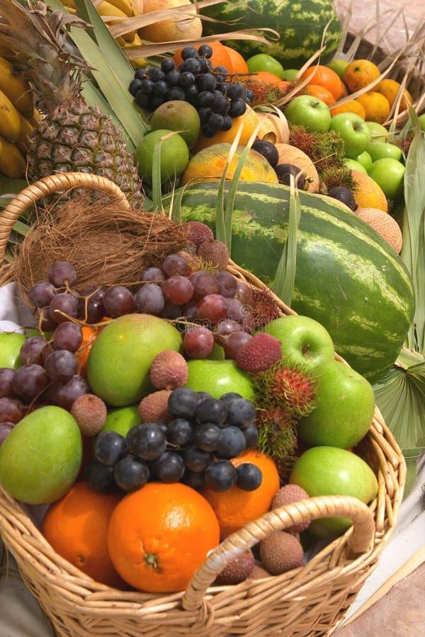 Cestas da fruta foto de stock