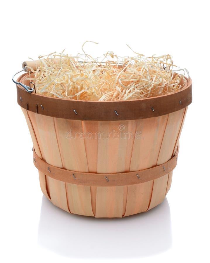 Cestino di bushel con la maniglia di legno fotografia stock