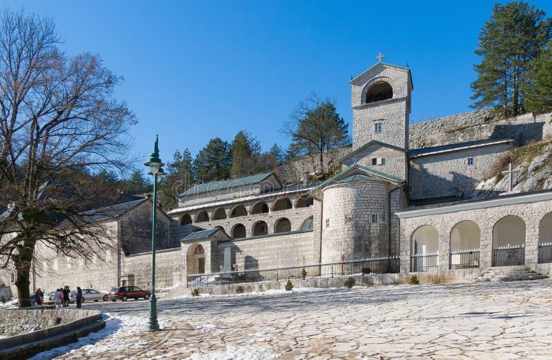 Cetinje kloster. Montenegro. Vinter arkivfoto