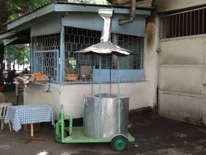 Cetral亚洲流动tandoor  免版税库存照片