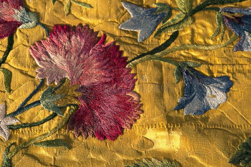 Cette broderie du 18ème siècle date à partir de 1740 images stock