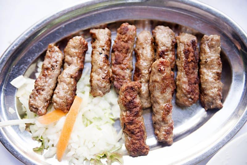 Cevapi, cevapcici, Bałkański minced mięso obrazy stock