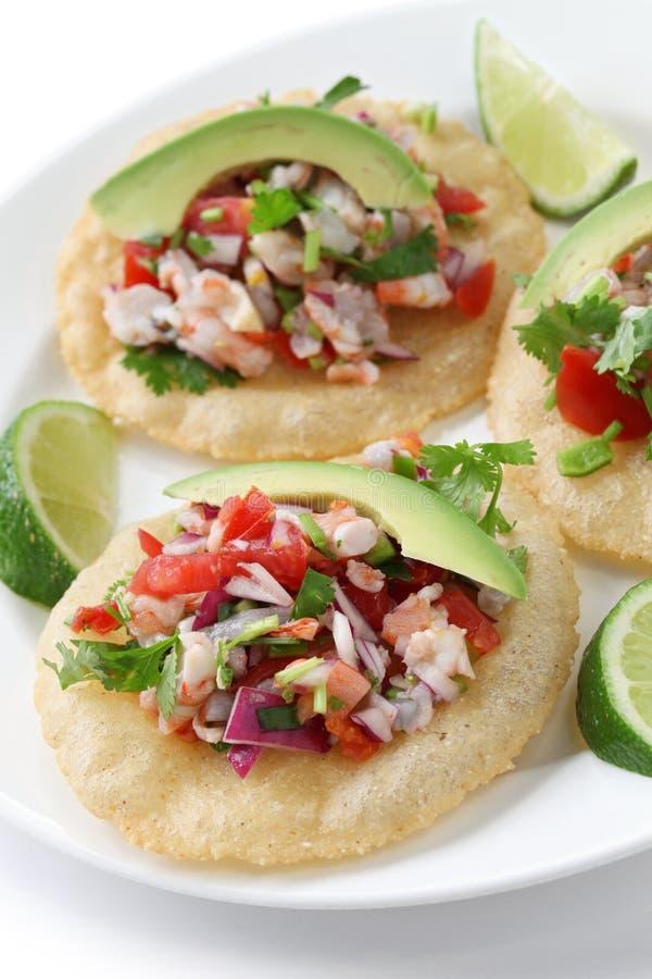 Tostadas de Ceviche, mexikanische Nahrung stockbild