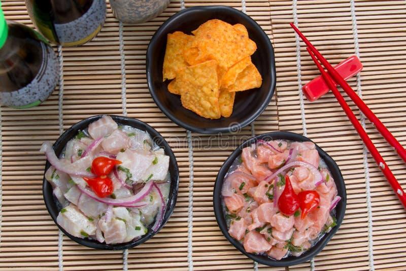 Ceviche tonfisk och lax royaltyfri fotografi