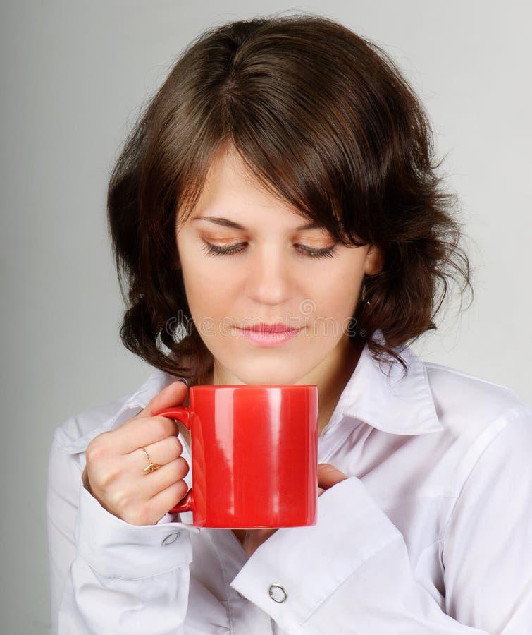 Chá bebendo da mulher fotografia de stock