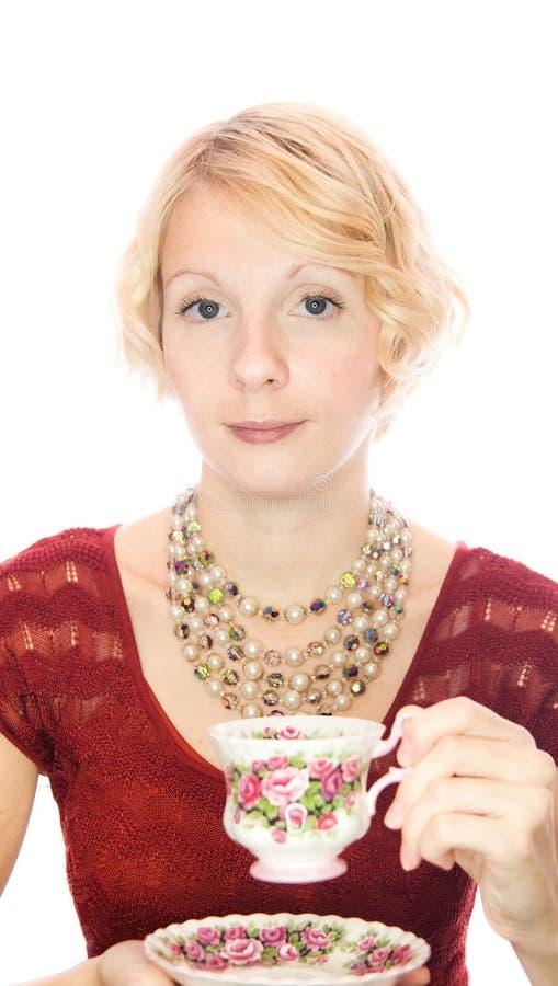 Chá bebendo do retrato bonito da senhora imagens de stock royalty free