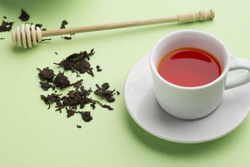 Chá com fundo verde fotografia de stock royalty free