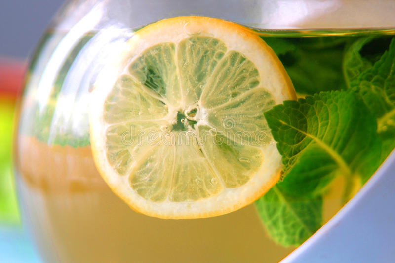 Chá com limão foto de stock