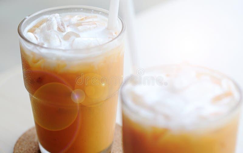 Chá congelado do leite fotografia de stock