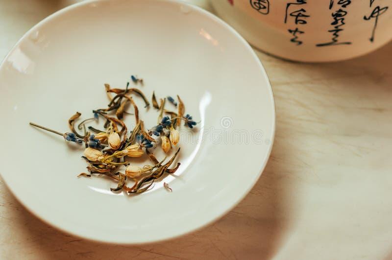 Chá da alfazema e do jasmim imagem de stock