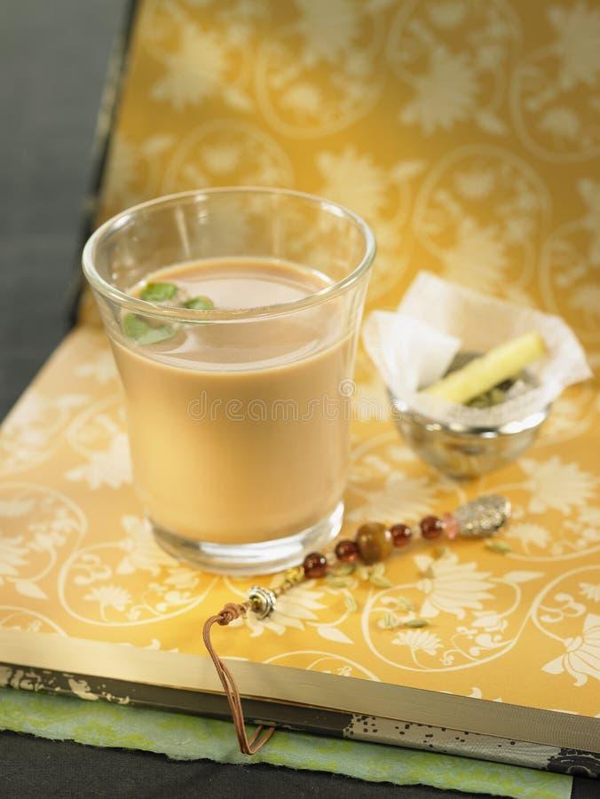 Chá de Assam com ervas e pimenta preta imagens de stock royalty free