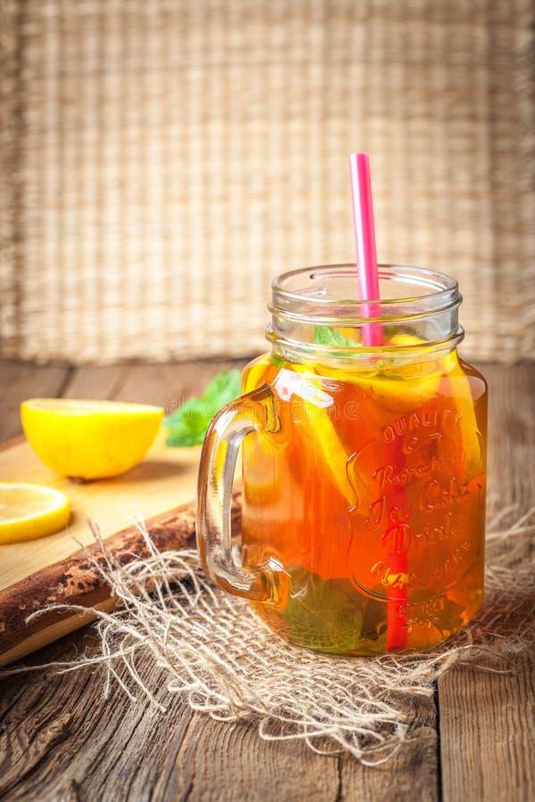 Chá de gelo caseiro fresco fotografia de stock