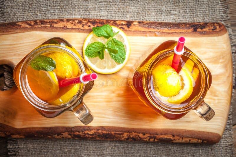Chá de gelo caseiro fresco foto de stock
