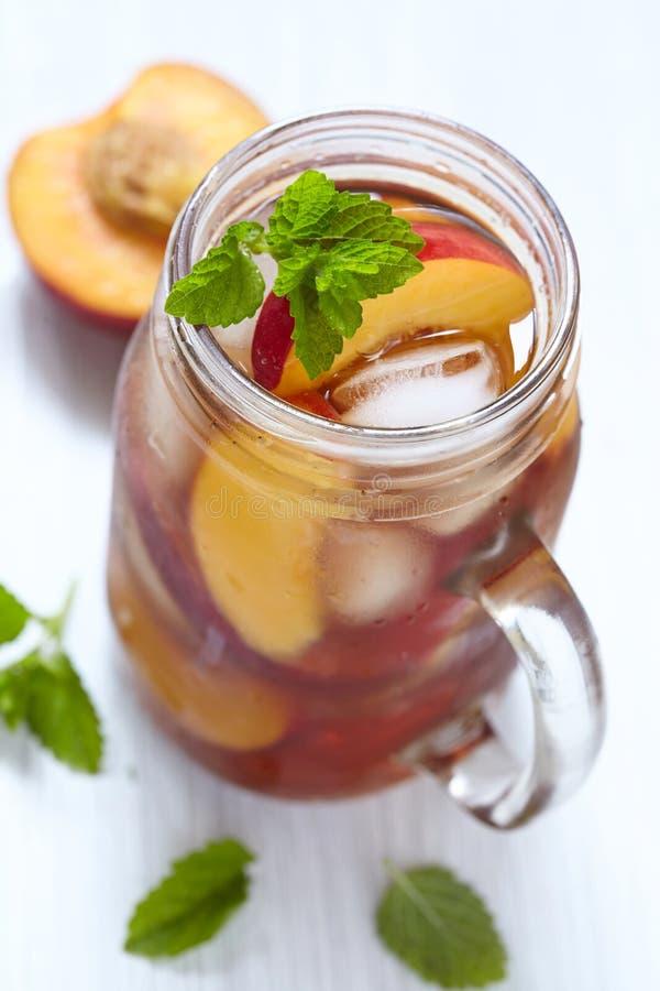 Chá de gelo do pêssego fotografia de stock