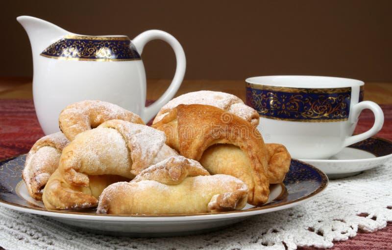Chá e bolinhos imagens de stock royalty free