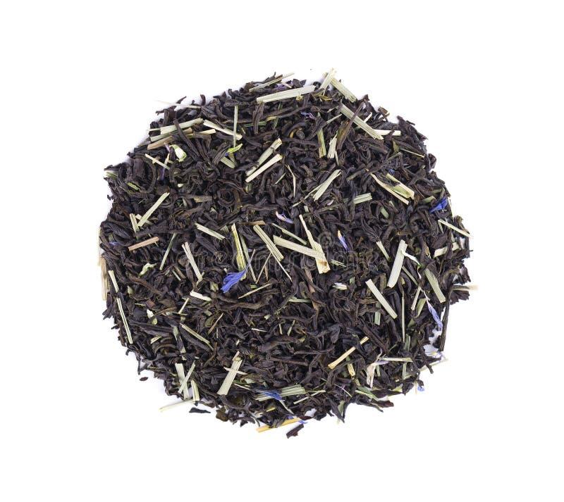 Chá preto de Ceilão com as pétalas do nardo e da centáurea isoladas em um fundo branco Vista superior fotografia de stock royalty free