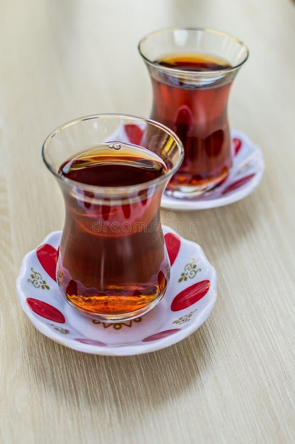 Chá quente turco nacional no vidro imagem de stock royalty free