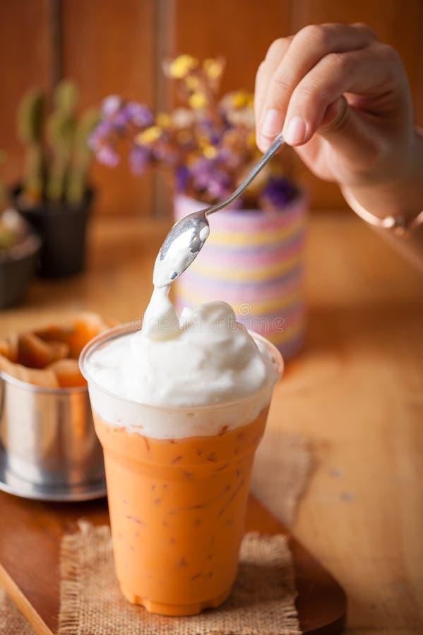 Chá tailandês congelado do leite fotos de stock royalty free