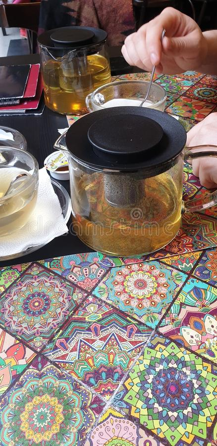 Chá verde de Sencha em restaurantes pequenos de hanoi do restaurante de romania do timisoara imagem de stock royalty free