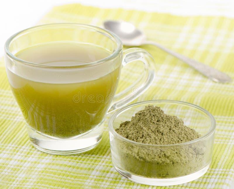 Chá verde pulverizado fotos de stock