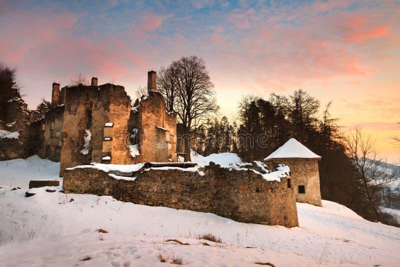 Château abandonné en Slovaquie images stock