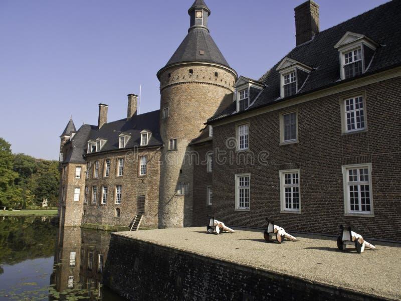 Download Château Anholt photo stock. Image du sculpture, arbre - 45358234