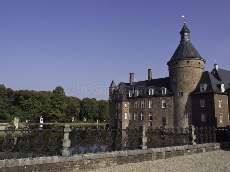 Download Château Anholt image stock. Image du passerelle, tour - 45358813