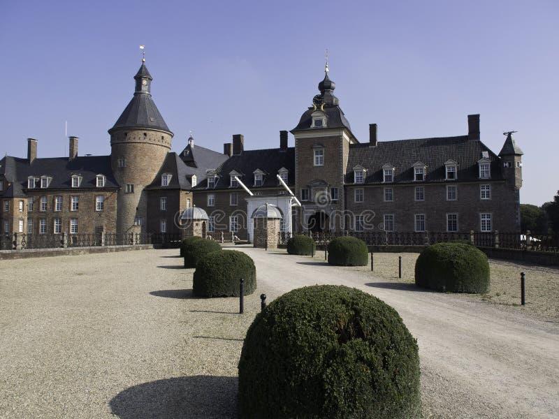 Download Château Anholt image stock. Image du ciel, sculpture - 45358871