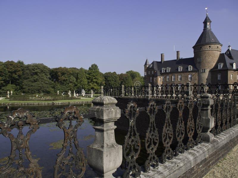 Download Château Anholt image stock. Image du tour, sculpture - 45359127