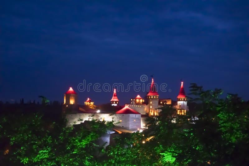 Château antique la nuit photographie stock libre de droits